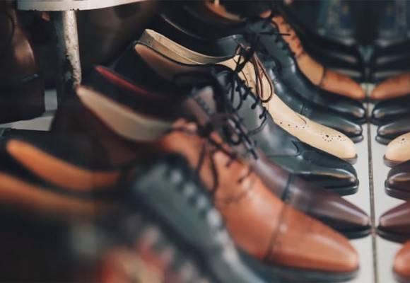 Cómo combinar zapatos y trajes para hombre