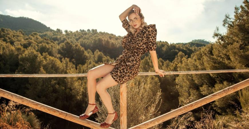 Ideas para combinar las nuevas sandalias de mujer Porronet con tus outfits de verano